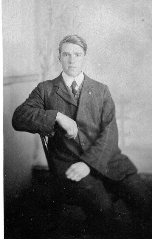 Arthur Rutter young man.jpg