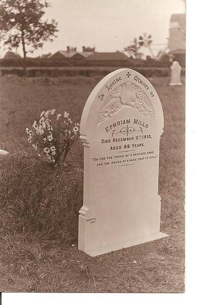 MTR Ephraim Mills headstone 001.jpg