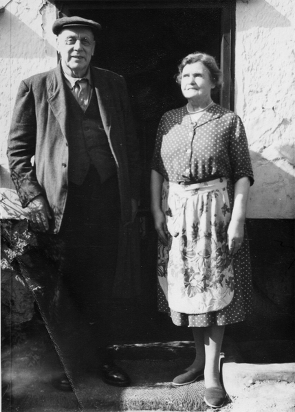 GS47 Alf Hawes and wife.jpg