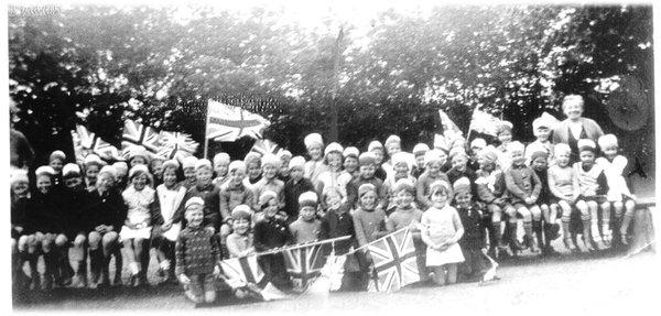U Empire day c1930.jpg