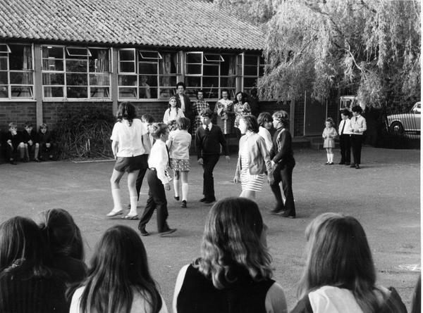 GS61 school 70s 1.jpg