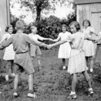 BB children dancing outside invicta lodge AR.jpg