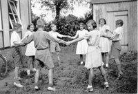 BB children dancing outside invicta lodge AR.jpg