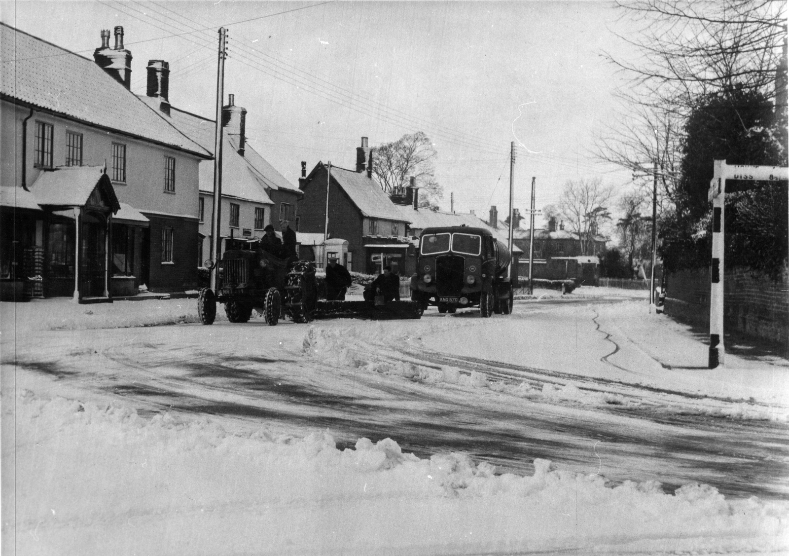 GS98 chrch st snow and lorries.jpg