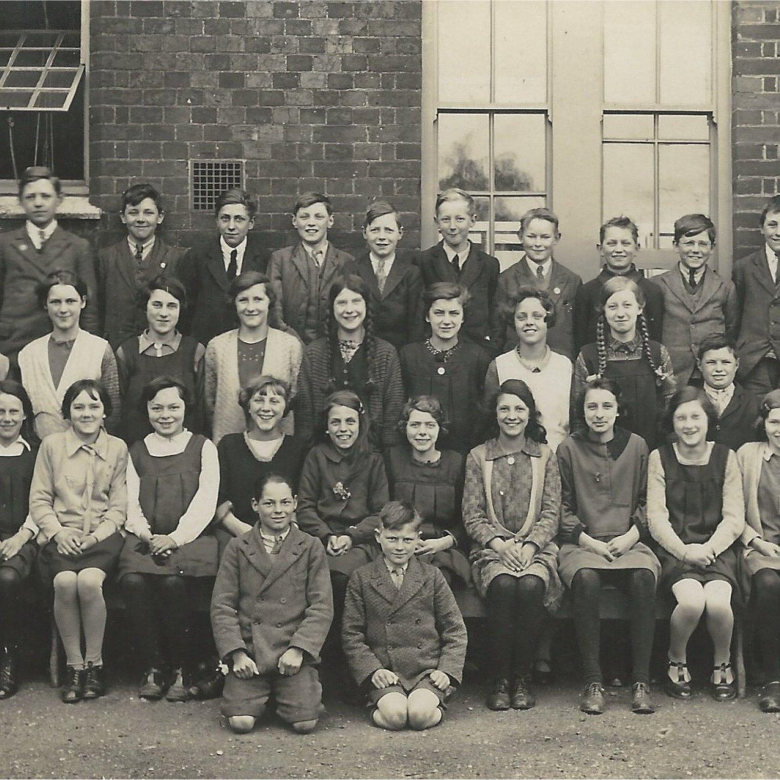 SC stradbroke school c1925.jpg